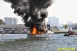 yacht-fire-04.jpg